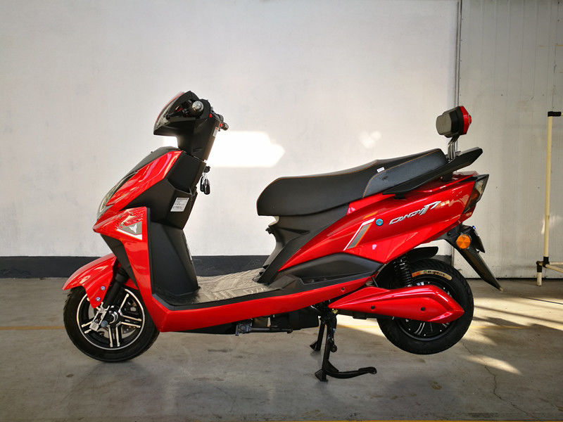 2 Wheels Electric Moped Scooter 65km Endurance GM005 Electric Ride On Scooter For Adults